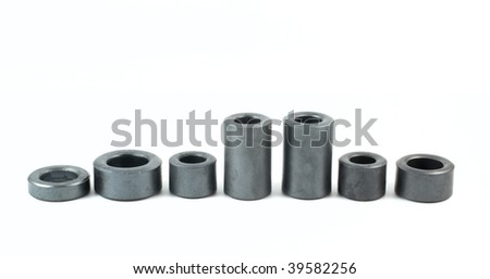 Diagram of ferrite washers on white background