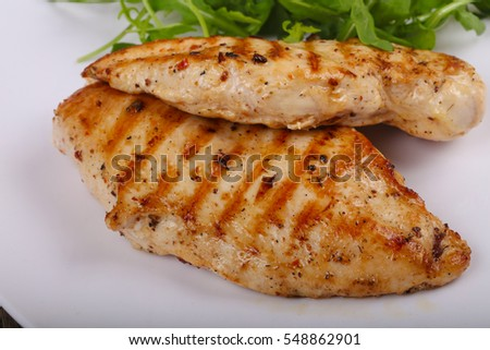Dietary cuisine - Grilled chicken breast with rucola leaves
