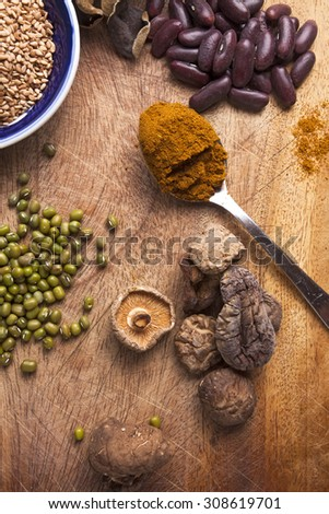 Difference of food ingredients (Mushroom, sesame seeds, chili powder, chickpeas)
