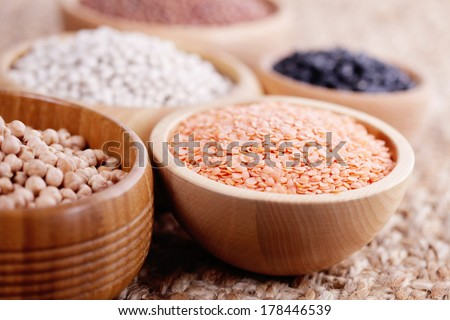 different type of pulses in bowls - food and drink