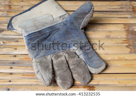 Dirty gloves safety