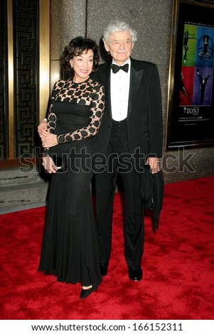 Dixie Carter, Hal Holbrook at The American Theatre Wing's 60th Annual Tony Awards - ARRIVALS Pt 2, Radio City Music Hall, New York, NY, June 11, 2006