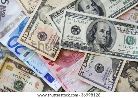prospective capital flows and currency movements u s dollar vs euro essay The next closest reserve currency is the euro only 199 percent of known central bank foreign currency reserves were in euros as of the second china was concerned that the trillions it holds in dollars will be worth less if dollar inflation sets in this could happen as a result of increased us.