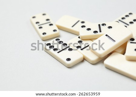 domino pieces