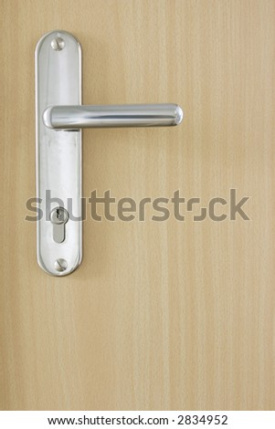 Door an silver bow