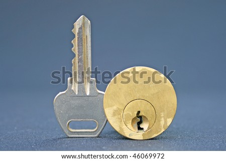 Door key and lock