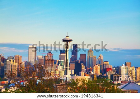 Downtown Seattle as seen from the Kerry park in the evening