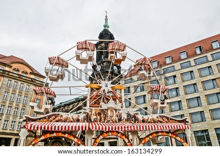 DRESDEN, GERMANY - SEPTEMBER 22: People on a street market on September 22, 2013 in Dresden, Germany. Dresden is the capital of Saxony.  - stock photo