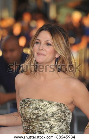 "Drew Barrymore at the Los Angeles premiere of her new movie ""Going the Distance"" at Grauman's Chinese Theatre, Hollywood. August 23, 2010  Los Angeles, CA Picture: Paul Smith / Featureflash"