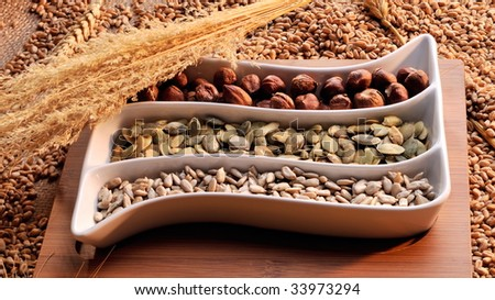 dried cereal seeds and fruits
