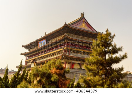 Drum Tower of Xi'an is one of the symbols of the city. It was erected in 1380 during the early Ming Dynasty