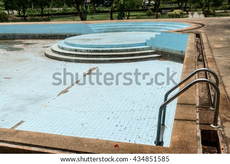 Dry Abandoned swimming pool