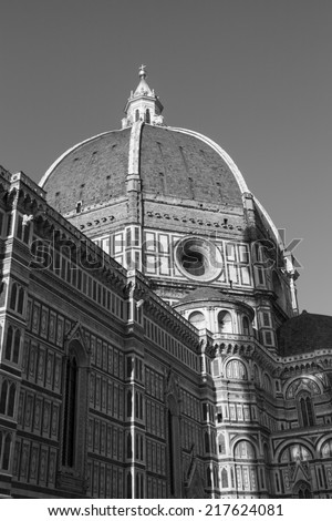 Duomo church in Florence, Italy (black and white)