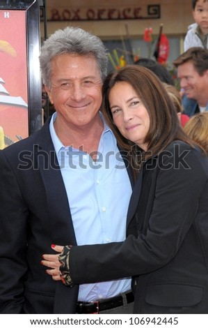 Dustin Hoffman and Lisa Gottsegen  at the DVD and Blu-Ray Debut of 'Kung Fu Panda'. Grauman's Chinese Theater, Hollywood, CA. 11-09-08