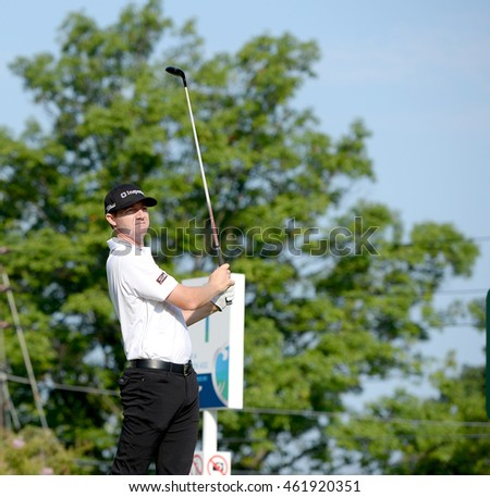 EDISON,NJ-AUGUST 30:Jimmy Walker watches his shot during the final round of the Barclays Tournament held at the Plainfield Country Club in Edison,NJ,August 30,2015.