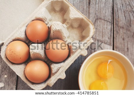 Eggs in box and bowl