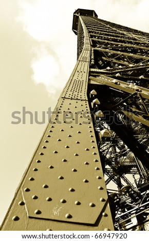Eifel Tower bolts