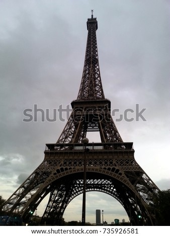 eiffel tower front