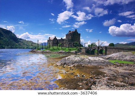 Eilen Donan Castle in Scotland lays at the meeting point of three sea lochs (Duich, Alsh and Long) and is one of Great Britains most emblematic visitor attractions.
