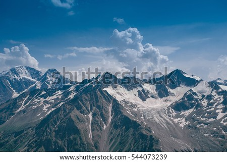an overview of the tatras mountain ranges in northern slovakia Tatra mountains tourist attractions: the mountain range is very short and narrow along the main ridge on almost entire length both along the tourist route as well as the border between poland and slovakia, 80 kilometres.