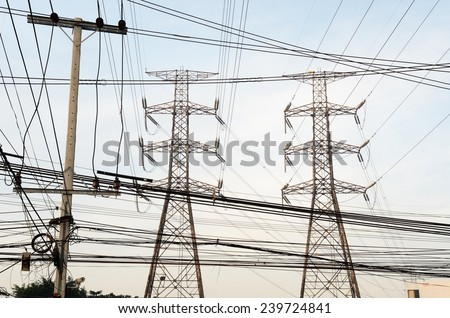 Electric Power transmission lines against telephone lines / Electric Power transmission lines