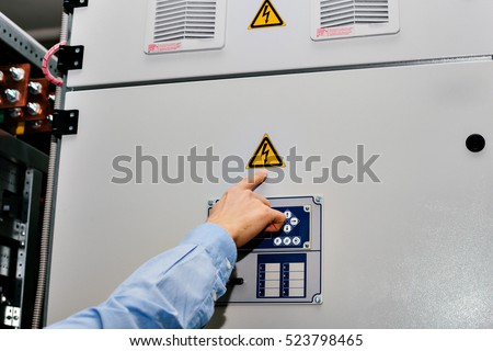 Electrical Worker Images RoyaltyFree Images Vectors – Low Voltage Electricians
