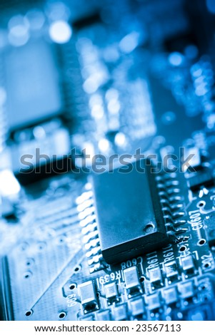 Electronic circuit board with silicon chips