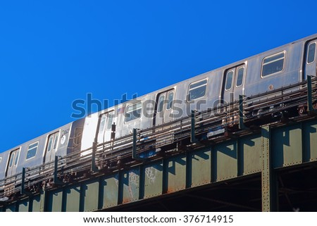 elevated subway in New York City