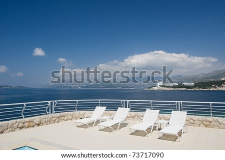 Empty deck chairs due to crisis - resorts waiting for tourists