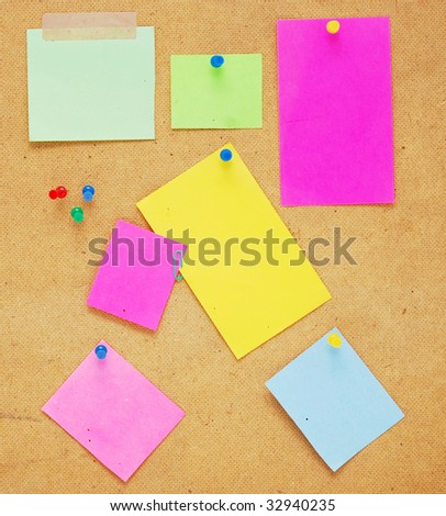 empty notes on wooden background