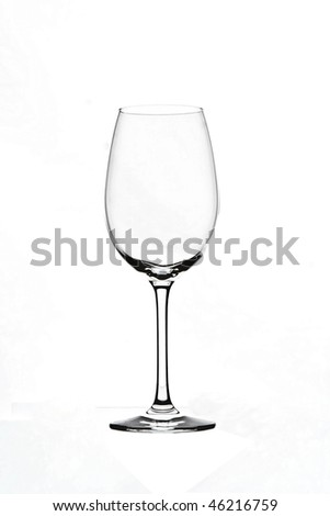 empty wine glass without reflection