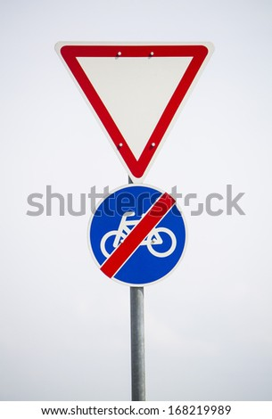 end of cycle paths - signpost