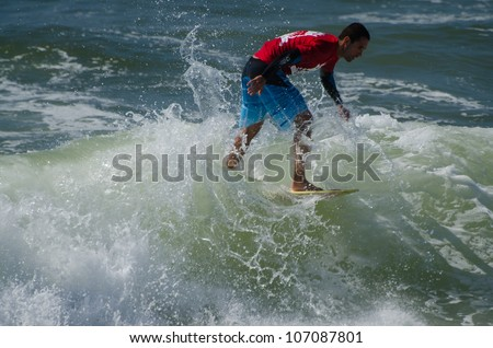 ESPINHO, PORTUGAL - JULY 08: unidentified Participant in the Exile Skim Norte Open 2012 on july 08, 2012 in Espinho, Portugal.