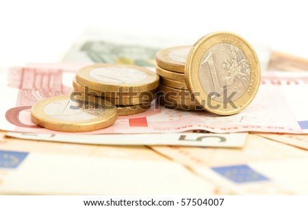 euro coins and bank notes