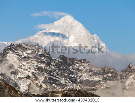 Evening view of mount Makalu (8463 m) from mount Gokyo ri - Way to Everest base camp, Everest area, Sagarmatha national park, Khumbu valley, Nepal - stock photo