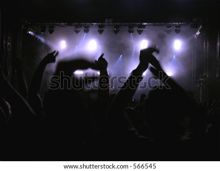 Everybody Put Your Hands Up - Concert