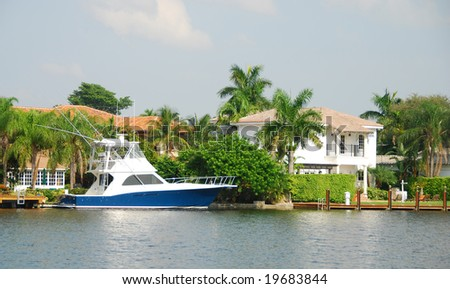 Exclusive waterfront real estate in Florida - stock photo