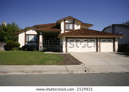 Exterior shot of a home in the east Bay area of Northern California in a city called Martinez.