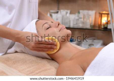 facial treatment with sponges