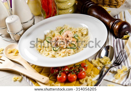 farfalle pasta with shrimp