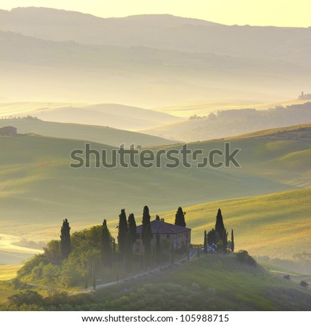 Farmhouse in Tuscany. Early morning countryside
