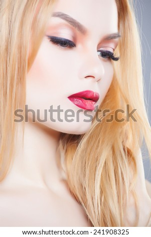 fashion close up portrait of beautiful young blond woman