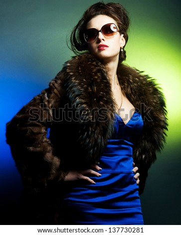 fashion lady with sunglasses