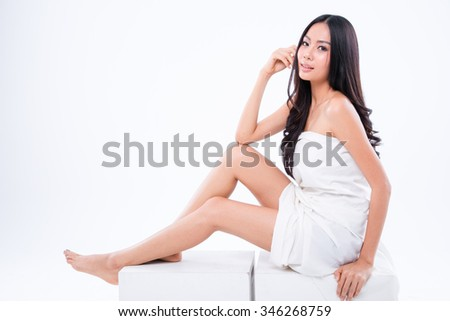 Fashion portrait of a beautiful woman skin and clear