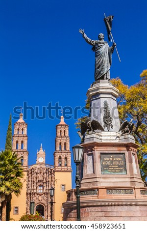 Father Miguel Hidalgo Statue Parroquia Cathedral Dolores Hidalgo Mexico. Where Father Miguel Hidalgo made his Grito de Dolores starting the 1810 War of Independence in Mexico.  Statue erected 1867.