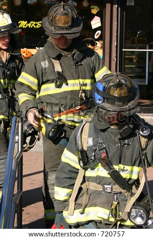 FDNY Squad 41 firefighters enter the subway for a subway system fire.