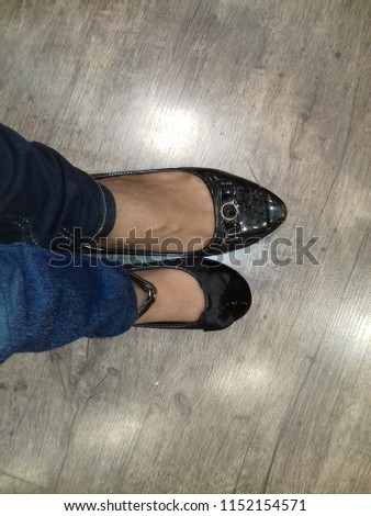 stock-photo-feet-of-mother-and-daughter-