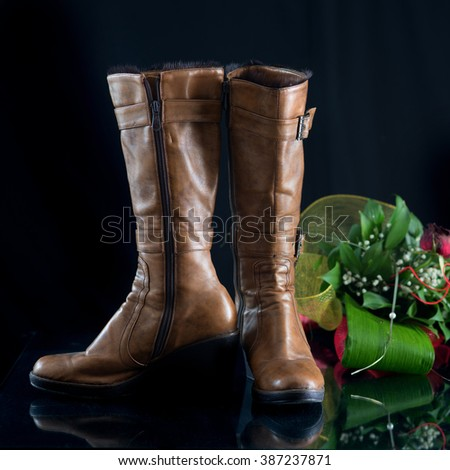 Female winter boots- Front and Side View