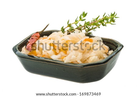 Fermented cabbage with herbs