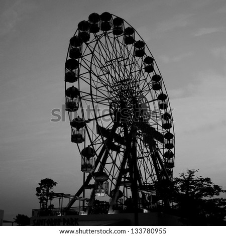 Ferris wheel Monochrome